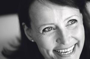 Nuori ei sairastuessaan pelkää eniten kuolemaa, Elina Hermanson sanoo.