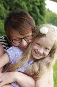 Josefiina ja mamma Terttu Vikiö ovat parhaita kavereita.