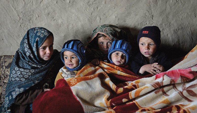Afganistan: 923 lasta kuoli ja 2 589 loukkaantui