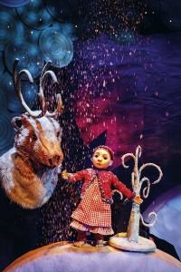 Teatteri Hevosenkengän Lumikuningatar. Kuva Robert Seger