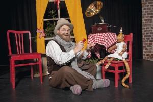 Teatteri Vantaan syksyn uutuus on Viirun ja Pesosen joulu. Kuva Kare Bonsdorff