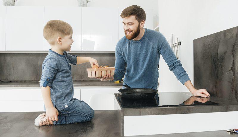 Isyys avartuu, vanhemmuusoppaat eivät