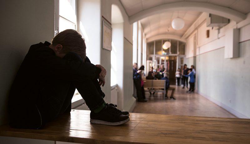 Kodin ulkopuolelle sijoitettujen lasten koulumenestys jää selvästi muita lapsia heikommaksi