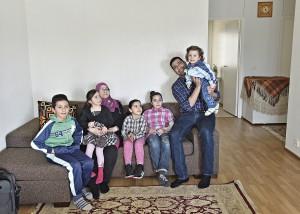 Vuonna 2002 naimisiin menneiden Abdul Azizin ja Safaan perhe on kasvanut: Ibraham, 11, äidin sylissä istuva Fatme, 4, Malak, 6, Khadije, 9, ja isän pitelemä Ahmad, 2.