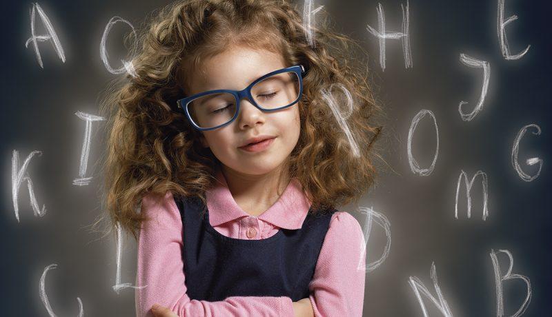 Miten vanhempi selittää lapsensa koulumenestystä?