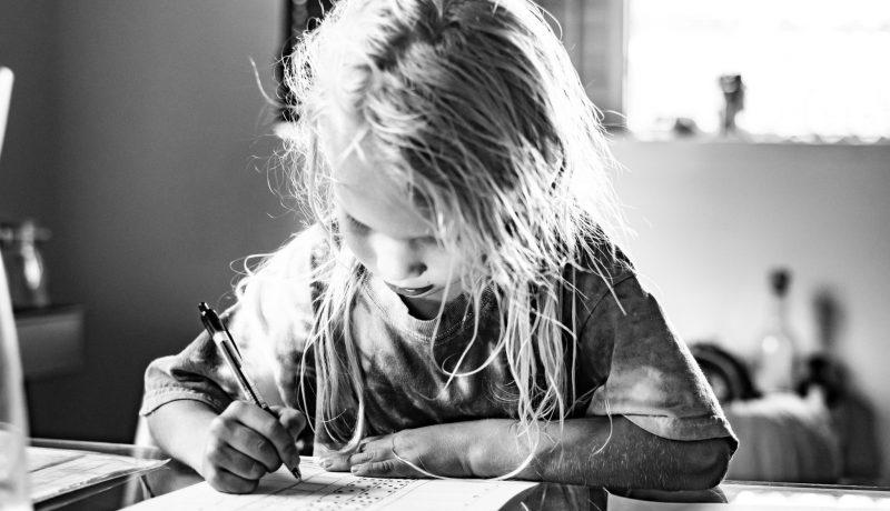 Kun lapsi kysyy vaikeita – eikä äiti oikein osaa vastata