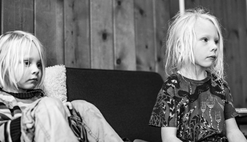 Vanhemmuuden vaikeus – kun muu maailma tihkuu oman sekaan