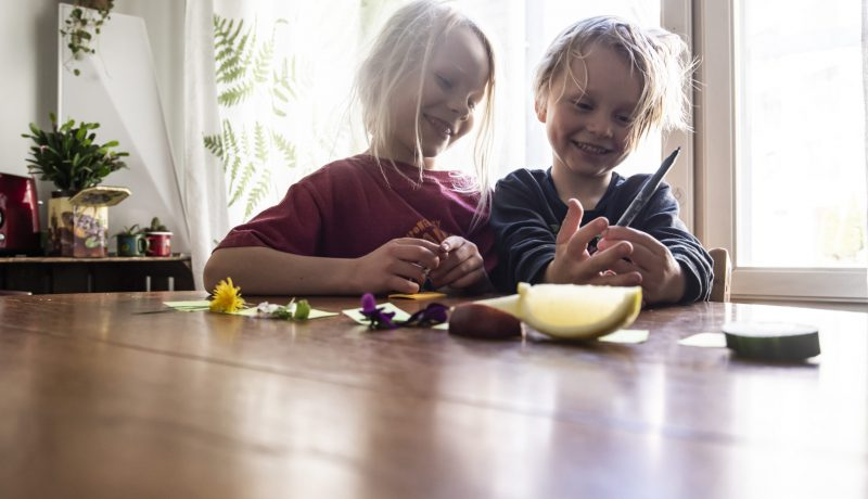 Tieteen avulla lapselle voi avata satoja ovia ja ikkunoita