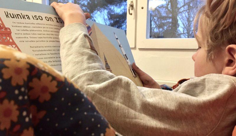 Kuinka valita lapselle sopiva kirjalahja?