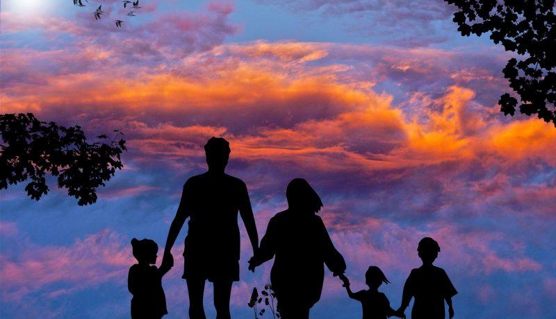 Ette voi matkustaa perheen kesken, sanoi asiakaspalvelu kolmosperheelle
