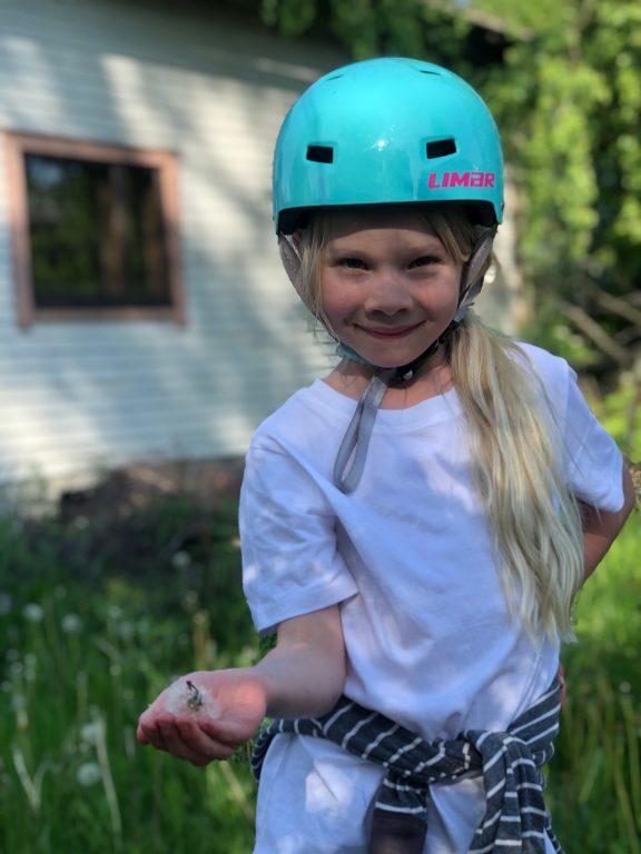 Lapsi ja pyöräilykypär
