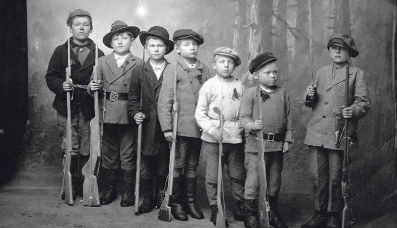 Suomen sisällissodan lapsisotilaat