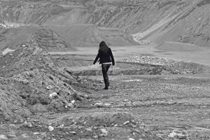 Itsetuhoinen nuori on raskas taakka vanhemmille – Katja Myllyviita teki itsetuhoisuutta käsittelevän selviytymisoppaan