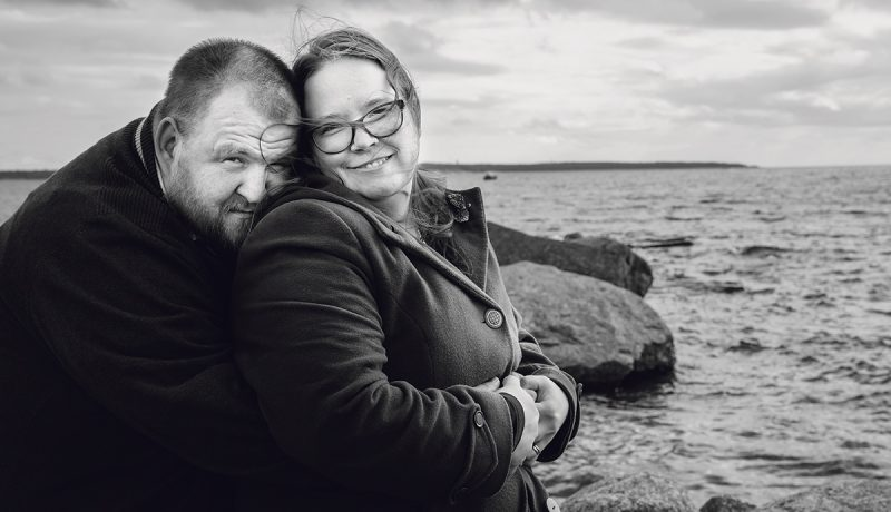 Juho Nykänen, 36, opettelee puhumaan surustaan