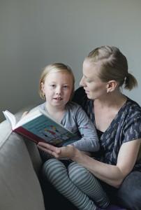 Matilda Hemnellin mukaan lapsen erityisherkkyys ei näy turvallisessa ja rauhallisessa ympäristössä.