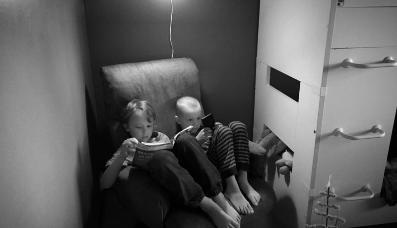 Isollekin lapselle saa lukea ääneen