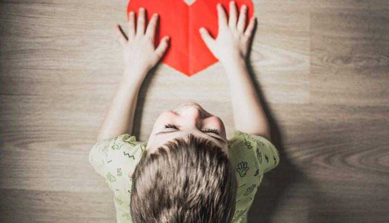 Vanhempi, näin vältät uupumuksen – perhetutkijoiden kootut vinkit