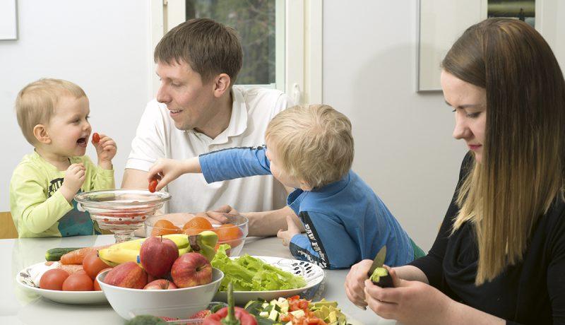 Vegaaniruokavalio lapsilla – Vilkamaan perheessä veganismi on elämäntapa